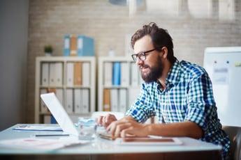 typing-on-laptop-H68922C
